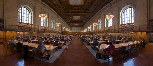 Photo of Research Room at New York Public Library by David Iliff (CC-BY-SA 3.0)